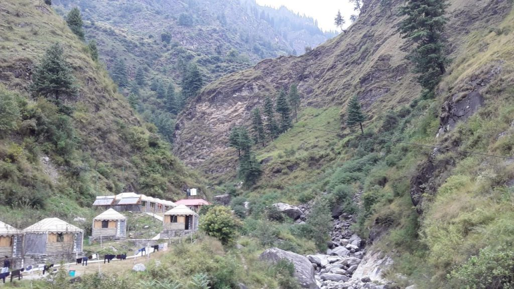KULLU MANALI IS A REALLY POPULAR HILL STATION AND A TOURIST DESTINATION IN NORTHERN INDIA. IT IS LOCATED IN THE INDIAN STATE OF HIMACHAL PRADESH.